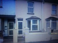 3 bedroom house in Charter Street, Gillingham Kent, ME7 (3 bed)