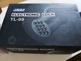 Electronic office door lock handles