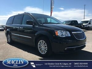 2016 Chrysler Town  Country Touring, DVD, Leather, Nav, Back Cam