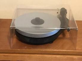 Project RPM 5 Turntable with Ortofon 510 Cartridge in Excellent Working Order