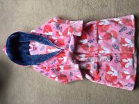 Girls M&S Soft Hooded Dressing Gown - Fox Design Age 7-8. Pink background with Coral foxes.