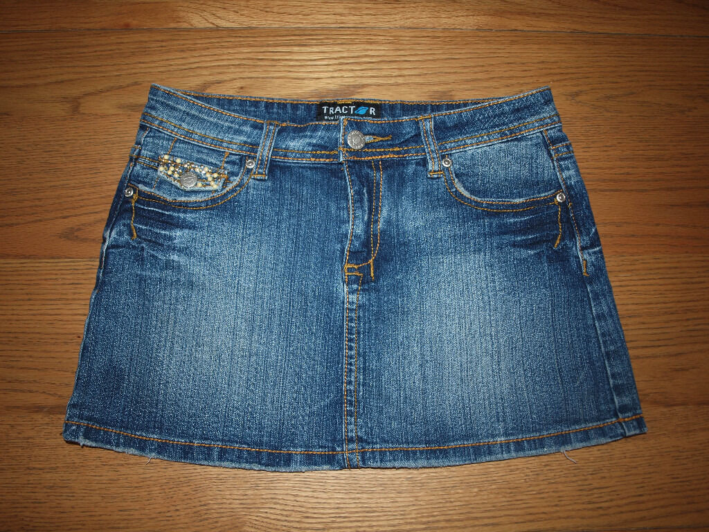 Jeans skirt 28.5 29inWin Belfast City Centre, BelfastGumtree - Jeans skirt 28.5 29in W in excellent condition £3. text only please 07707804724 phone calls will not be answered. Collection only from Belfast City Centre. If you not interested do not waste my time. Do not text at night, please. NO SICK PHONE CALLS...