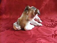 LLADRO DOG WITH BUTTERFLY ON HIS TAIL MODEL 4917 SCULPTED BY JUAN HUERTA EXCELLENT CONDITION £40