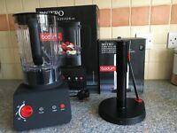 2 bodum appliances blender and kitchen towel