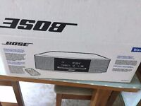 BOSE WAVE MUSIC SYSTEM CD RADIO IN NEW CONDITION ALL BOXED WITH REMOTE PLEASE CALL 07707119599