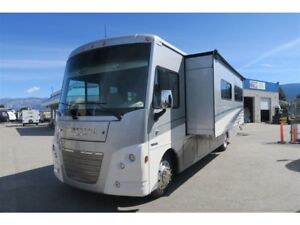 2019 Winnebago Vista LX 35F