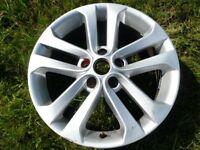 "Nissan Juke 17"" alloy wheel./"