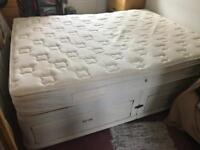 Free Kingsize divan bed