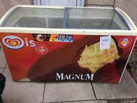 LARGE SIZE (480L) ICE CREAM SHOP/ CATERING DISPLAY CHEST FREEZER IN GOOD WORKING
