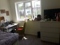 Huge double room, shared living room and big garden