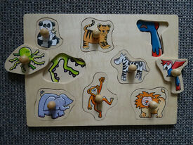 8-Piece Wooden Animal Lift-Out-Peg Puzzle – Traditional Toy Jigsaw
