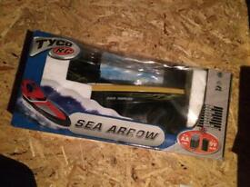 Tyco r/c speed boat sea arrow