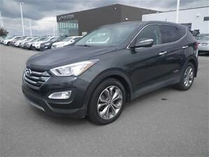 2013 Hyundai Santa Fe SE: 2.0turbo, Full Sunroof, Leather, Camer