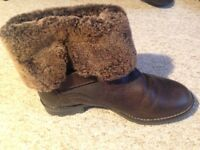 Shepherd Sheepskin Boots (Size 6 - 39)