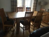 Solid Oak Extendable Dinning Table With 6 Chairs