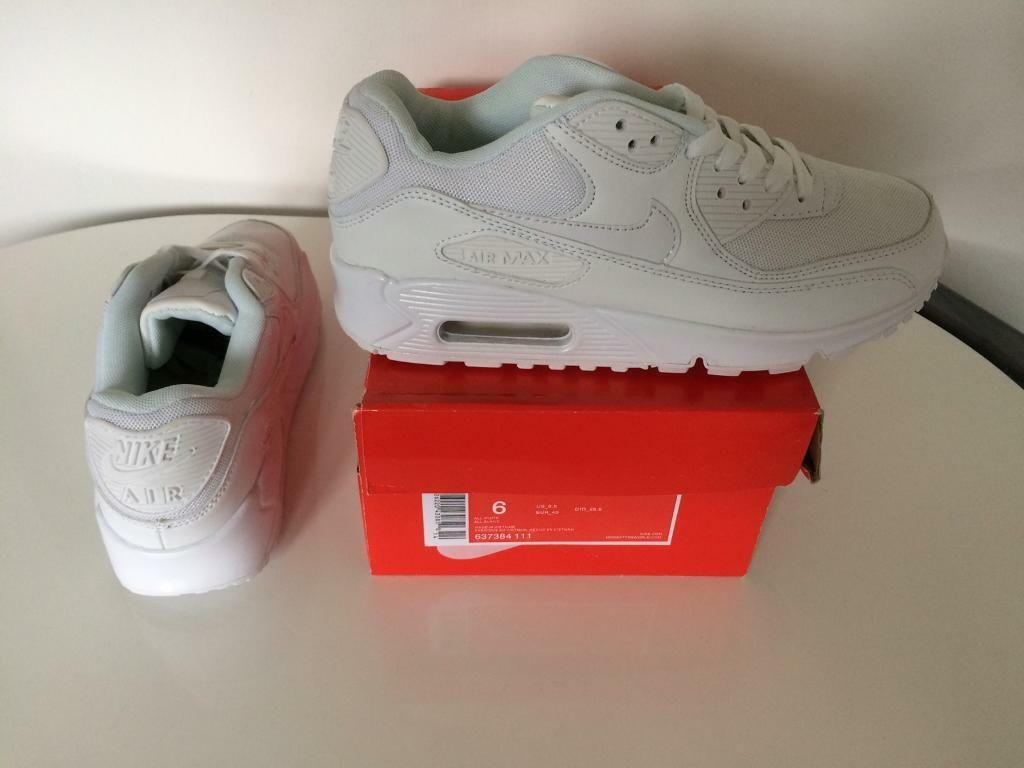 Size 6 trainers bnib free delivery