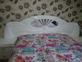 A white Italian king sized bedroom set as new original price £3500