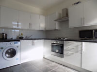 Luxury En-suite Bedsit Studio close to the Town Centre, All Bills Included, Students Welcome No DSS