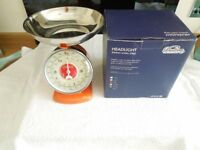 A Genuine DULTON Set Of Orange Headlight 2Kg Scales Lovely Design
