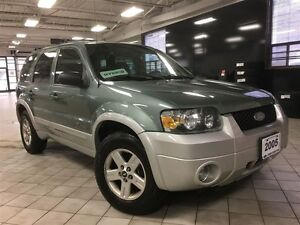 2005 Ford Escape Hybrid, Leather package, AWD, Car Proof Verifie