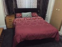 Double furnish room available in 2 bedroom house the slade greens LE2