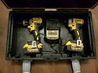 Dewalt drill set 18v brushless 4amp. Batteries