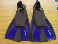 Pegaso blue and black flippers size 8-10 UK