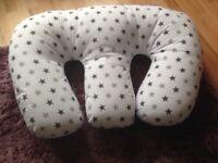 Baby boppy pillow - feeding & sitting