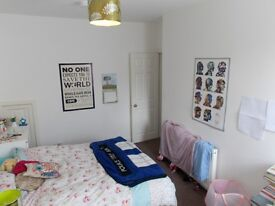 Double rooms to let in modernised shared house in Central Lincoln just 600 yards from St.Marks's