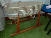 Moses basket with rocking stand & two sheets