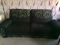 Electric recliner 3 seater + non reclining 2 seater