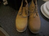 A pair of walking boots light wate new size 6half size 40