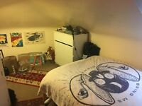 Double room to rent city centre in student flat