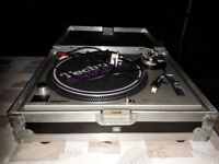 Technics SL-1200MK2 Turntable with Flight Case
