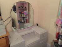 2nd hand dressing table with mirror