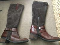 Clarks boots size 4