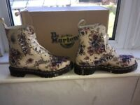 DR.MARTENS women's/ladies boots