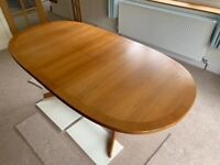 Extending Oval Dining Table - Teak (1590 to 1995 x 995 mm)