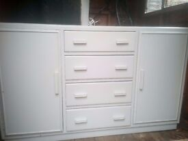 Free 1950/1960 shabby chic sideboard, needs a bit of painting