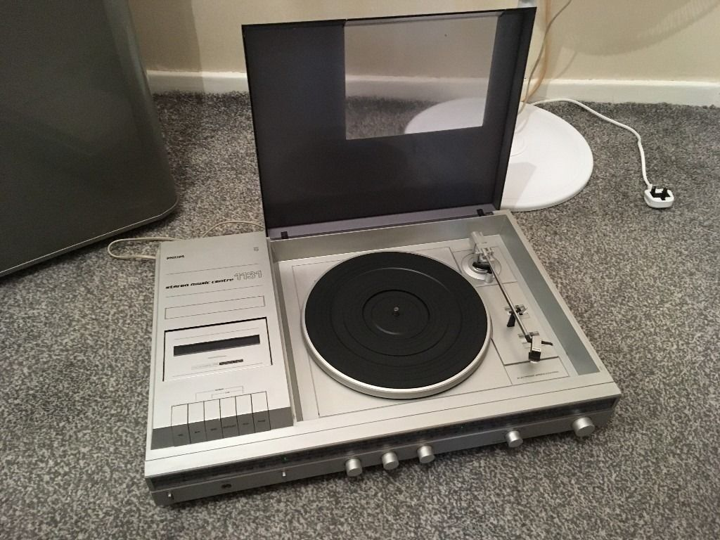 vintage phillips 1131 music systemin Wickford, EssexGumtree - vintage ultra rare phillips 1131 music system with turntable radio amp and deck no speakers but will also include the oringal speaker cables wire so yuo can add any set you like its all working it has a few marks from age but is in good condition i...
