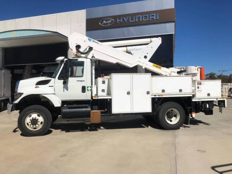2010 International 7400 Workstar 4x4 Elevated Work Platform