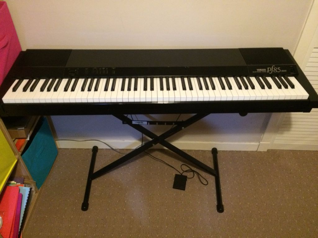 yamaha pf85 electric keyboard weighted keys in aberdeen