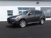 2011 Mitsubishi Outlander XLS! LEATHER! ROOF! 4WD!