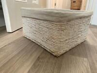 Basket with linen lining x2