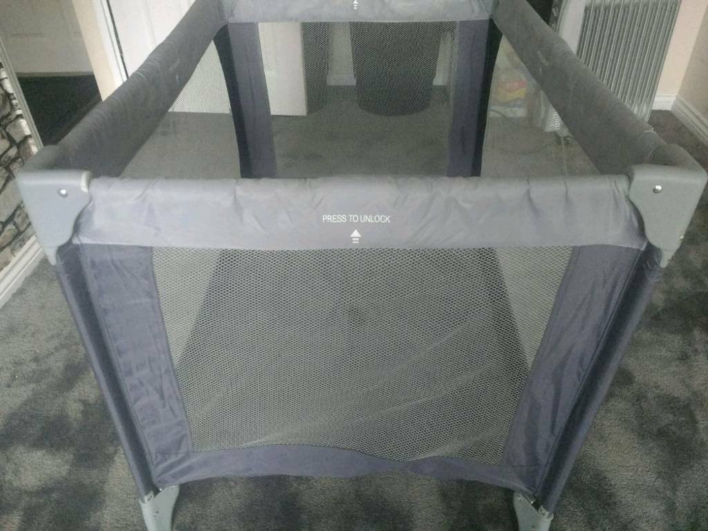 Travel cot in excellent condition nearly new.
