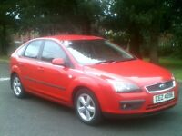 GLEAMING RED 2005 FORD FOCUS 1.6 ZETEC CLIMATE*NEW SHAPE*MOTD APRIL 2017*VAUXHALL,PEUGEOT,RENAULT