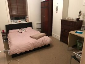 City centre double room available immediately.