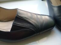 Ladies van dal sling back shoes