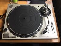 Technics SL1200 MK5 turntable