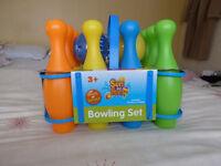 CHILD'S NEW BOWLING SET